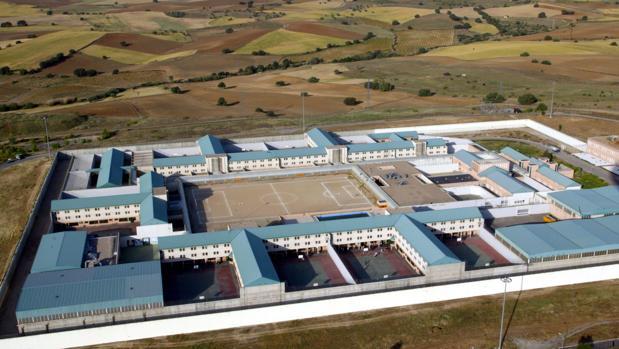 Dimoba realizará las labores de limpieza del Centro Penitenciario de Navalcarnero Madrid IV