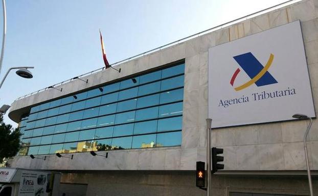 Dimoba realizará las labores de mantenimiento de las sedes de la Agencia Tributaria en las provincias de Sevilla y Jaén