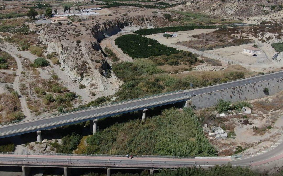 Inspección de puentes con drones profesionales